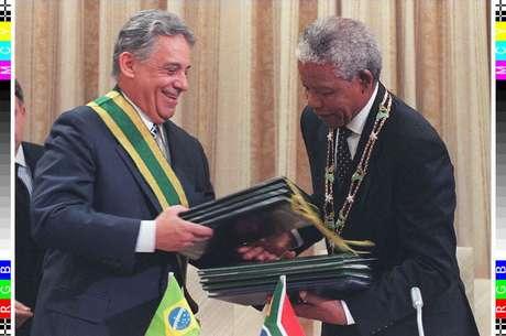 FHC e Mandela durante encontro em Pretória, em 26 de novembro de 1996