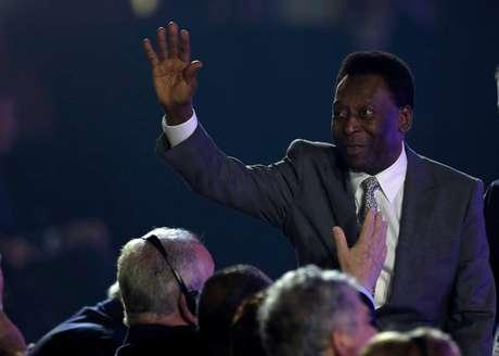 Pelé anunciou que não participará do sorteio, mas compareceu a evento