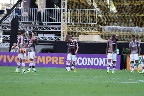 <p>Fluminense virou o placar,mas a vitória do Coritiba decretou a queda tricolorantes do jogo acabar</p>