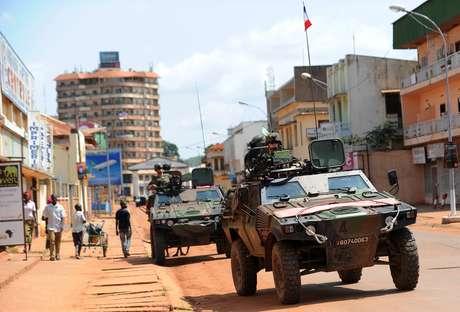 Exército francês patrulha as ruas de Bangui, capital da República Centro-Africana