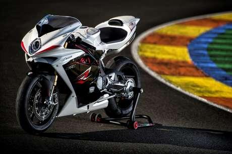Lançada em outubro de 2013, o modelo superesportivo F4 RR ABS, da montadora italiana MV Augusta, é importado e vendido apenas sob encomenda; custa R$ 114 mil. A moto possui freios ABS de última geração e ultrapassa os 200 cavalos de potência