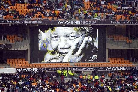 <p>Despedida a Mandela em estádio de Johannesburgo</p>