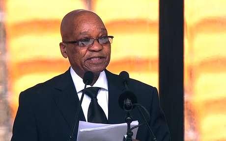 O presidente-sul-africano, Jacob Zuma, discursa durante a cerimônia em homenagem a Mandela