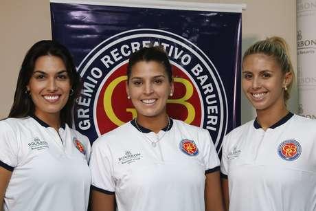 Luciane Escouto (à dir), Mari Paraíba (centro) e Natasha Valente foram apresentadas