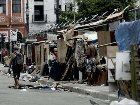 <p>A situação na região da cracolândia piorou com a construção, nos últimos meses,de barracos no meio das ruas</p>