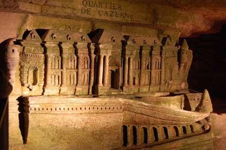 As Catacumbas de Paris abrigam ossos de seis milhões de pessoas mortas entre 1785 e 1869