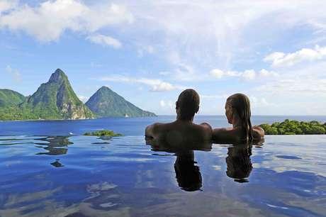 <p>Romântico, único e exclusivo são apenas alguns dos adjetivos que definem o Jade Mountain Resort da ilha caribenha de Santa Lúcia</p>