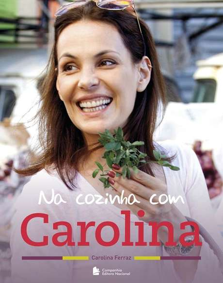 <p>Livro de receitas de Carolina Ferraz chega à sua segunda edição</p>