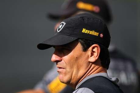 <p>Eduardo Húngaro substitui Oswaldo de Oliveira no comando do Botafogo</p>