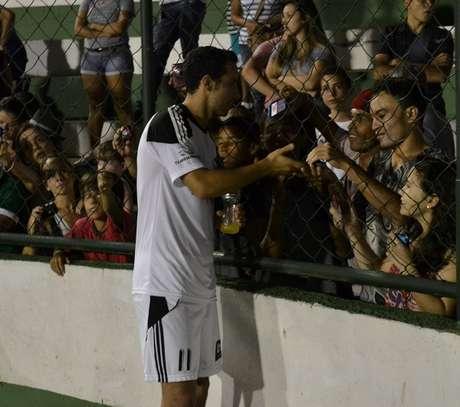 Nenê anotou três gols e salvou equipe comandada pelo piloto Felipe Massa, na pelada realizada em Goiânia