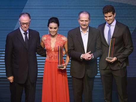 <p>Em noite que terminou com destaque para Poliana Okimoto e Jorge Zarif, eleitos os melhores atletas do Brasil em 2013, o Prêmio Brasil Olímpico entregou homenagens e troféus para inúmeros esportistas nacionais, em um total de 43 modalidades. Confira alguns dos contemplados:</p>