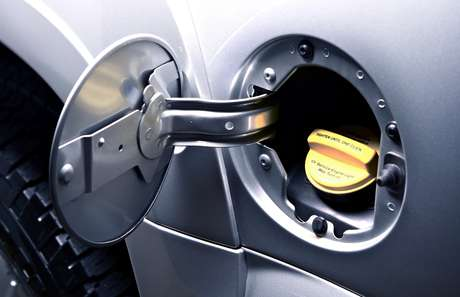 Evite usar a reserva do tanque de combustível