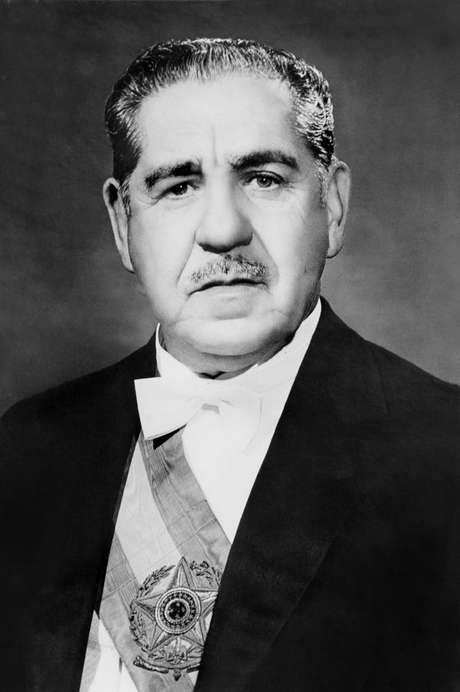 O presidente Costa e Silva decretou o AI-5 em 1968
