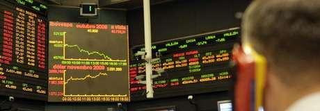 <p>O Ibovespa subiu 0,80%, a 48.026 pontos; ovolume financeiro alcançou R$ 7 bilhões</p>