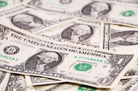 Para o turista que deseja comprar US$ 2 mil dólares, a instituição que ficou em primeiro lugar, oferecendo a cotação da moeda mais barata em novembro de 2013, foi o Banco BNP Paribas Brasil S.A. A cotação do VET médio era de R$ 2,293 por US$ 1. No total, US$ 2 mil dólares sairiam por R$ 4.586