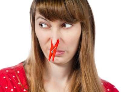 <p>O mau cheiro do corpo pode estar relacionado à alimentação e até ao estado emocional</p>