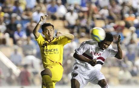 Kashiwa surpreendeu São Paulo em Barueri e arrancou empate