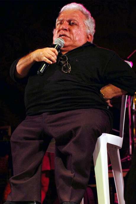 <p>Nelson Ned foi internado com pneumonia grave, nesse sábado (4), em Cotia</p>