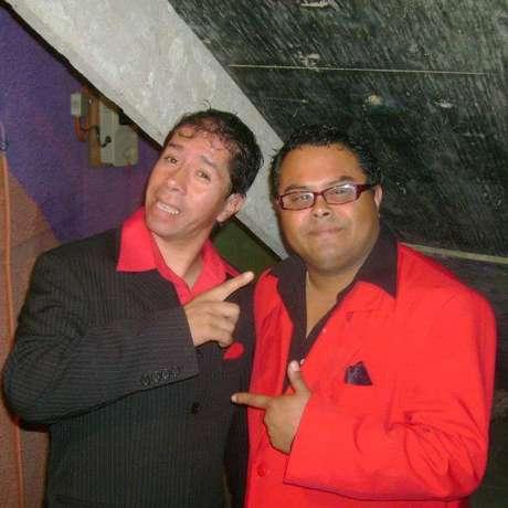 <p>El dúo porteño se formó en 1996. Desde entonces han participado en festivales menores y pubs.</p>