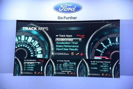 <p>Com a evolu&ccedil;&atilde;o, todo&nbsp;motorista ter&aacute; comandos de voz mais f&aacute;ceis, GPS e informa&ccedil;eos em tempo real sobre o desempenho do ve&iacute;culo</p>