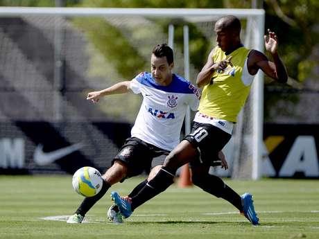 <p>Corinthians voltou aos treinos na manhã desta quinta-feira no CT do clube em São Paulo; jogadores trabalham para início do Campeonato Paulista</p>