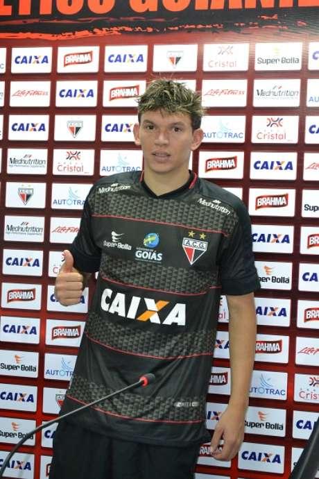 Júnior Viçosa conquistou acessos para a Série A por Sport e Goiás