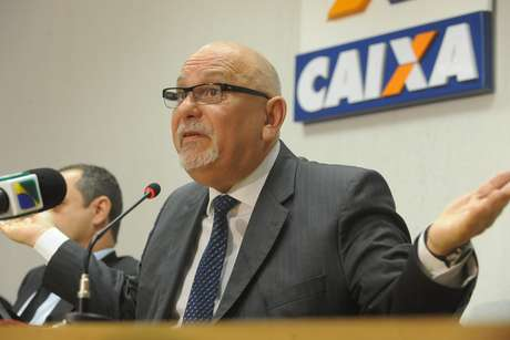 """<p>O presidente da Caixa, Jorge Hereda, em evento no ano passado;banco nega """"confisco"""" ilegal de valores em contas inativas</p>"""