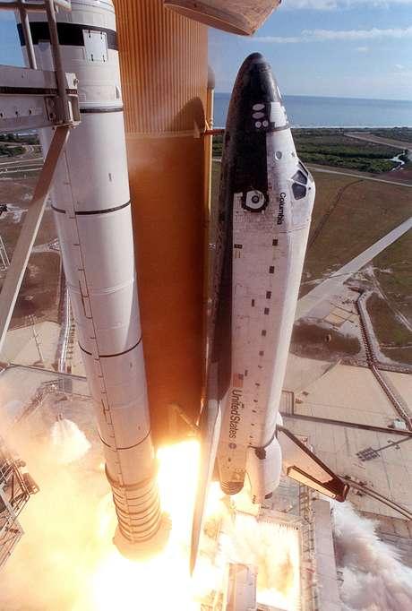 Ônibus espacial Columbia lançado em 2003: acidente causou a desintegração da espaçonave e a morte de sete astronautas
