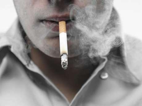Além da diminuição no número de fumantes, houve redução na quantidade de cigarros fumados