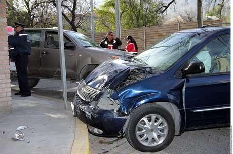 <p>El sábado pasado Mauricio Puente Chapa conducía su auto en aparente estado de ebriedad y chocó contra un taxi, dejando un saldo de dos personas muertas y varias más lesionadas.</p>
