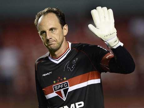 Rogério Ceni participa de jogo contra Mogi Mirim no dia de seu 41º aniversário