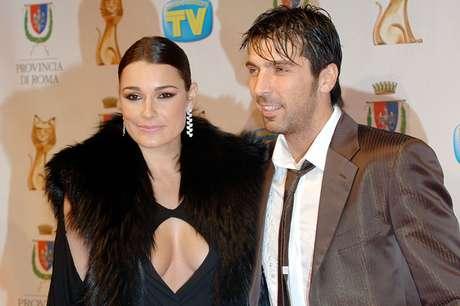 <p>Buffon teria se separado de Alena Seredova (foto) para viver romance com jornalista</p>