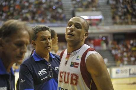 No time do Brasília, ala Alex sofreu uma fratura de nariz
