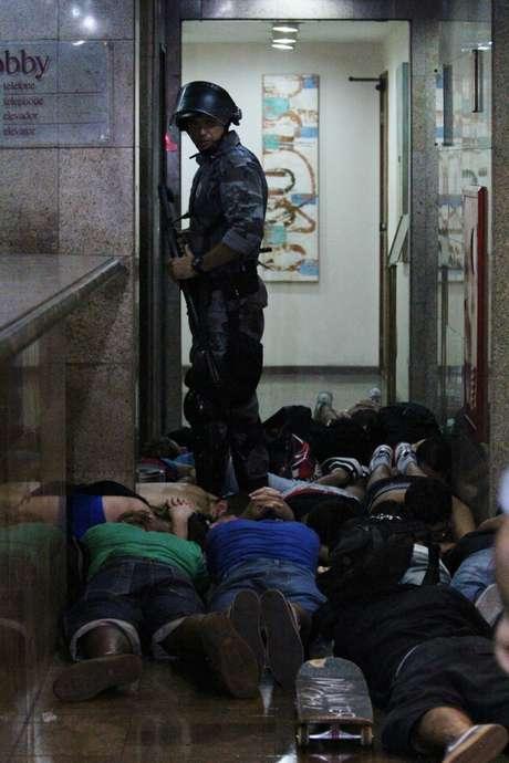 Foram 108 presos pelo Batalhão de Polícia de Choque e outros 20 pelo policiamento de área