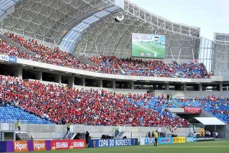 <p>Torcida do América-RN inaugura Arena das Dunas</p>
