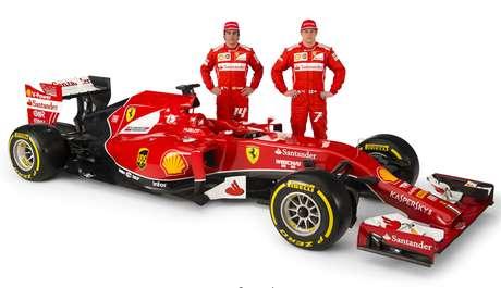 <p>Fernando Alonso, Kimi Raikkonen y la Ferrari F14-T, nombre elegido mediante votación por los seguidores ferraristas.</p>