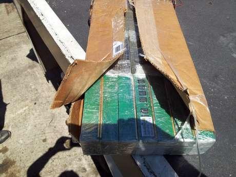 Material eletrônico era camuflado em pacotes que deveriam transportar apenas os documentos da carga do voo