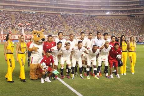 <p>Universitario debuta anteVélez Sarsfield en laCopa Libertadores 2014</p>