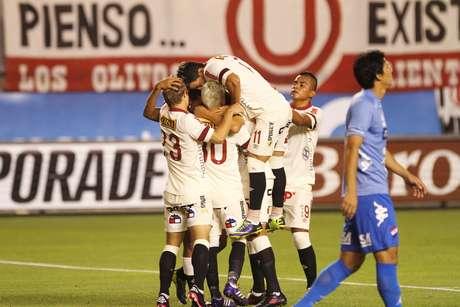 <p>Universitario quiere iniciar con un triunfo ante Vélez Sarsfield en la Copa Libertadores 2014.</p>