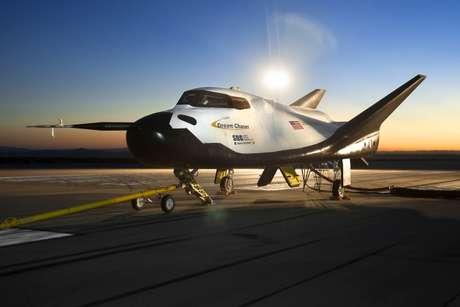 A nave Dream Chaser lembra os aposentados ônibus espaciais