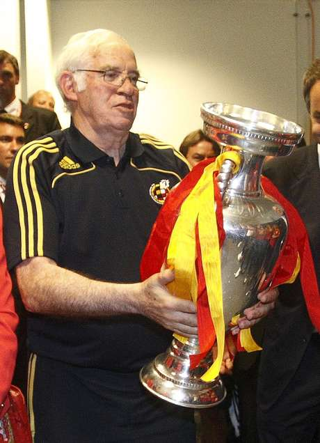 Aragonés foi o responsável pelo título da Eurocopa de 2008, primeiro de uma série de conquistas da seleção espanhola