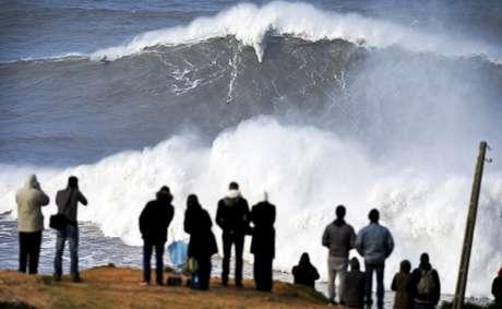 Andrew Cotton pode ter surfado maior onda de todos os tempos