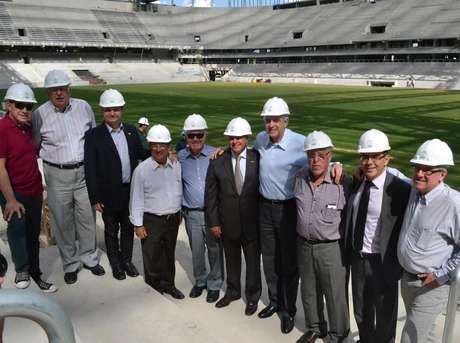 <p>Ministro visitou estádio em Curitiba e notou avanços</p>