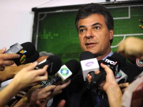 <p>Beto Richa (PSDB) tem 43% das intenções de voto dos1.008 eleitores entrevistados</p>