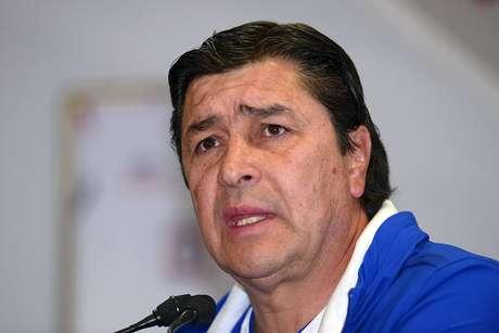 Luis Fernando Tena, técnico de Cruz Azul.