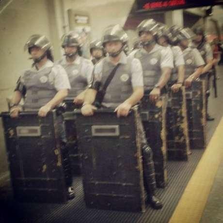 Polícia Militar foi acionada para conter a confusão na estação Tatuapé do Metrô
