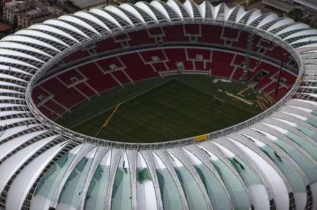 Vista aérea do estádio Beira-Rio, em Porto Alegre, que ainda será inaugurado para a Copa do Mundo deste ano. Foto de 30 de janeiro de 2014.
