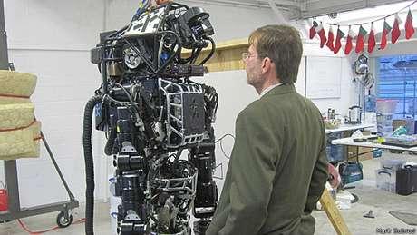 Gubrud trabalha há 25 anos com organização que luta contra armas robóticas