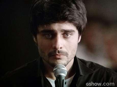 Laerte (Guilherme Leicam) é condenado a um ano de prisão