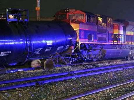 Vagón termina su loca carrera estrellándose contra locomotora, dejando sin vida a un maquinista